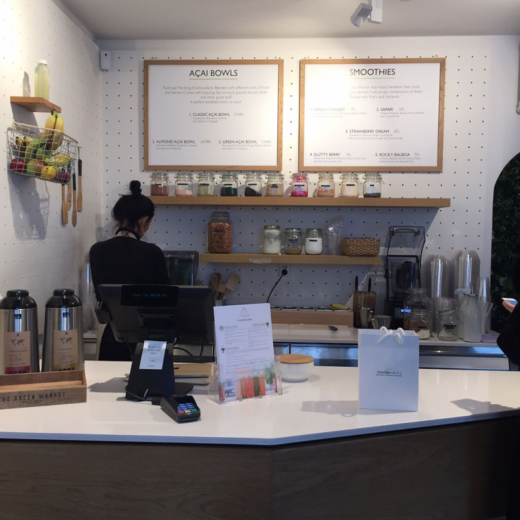 """Photo of The Juicery  by <a href=""""/members/profile/Vegan-Traveller"""">Vegan-Traveller</a> <br/>Inside  <br/> March 17, 2017  - <a href='/contact/abuse/image/88802/237608'>Report</a>"""