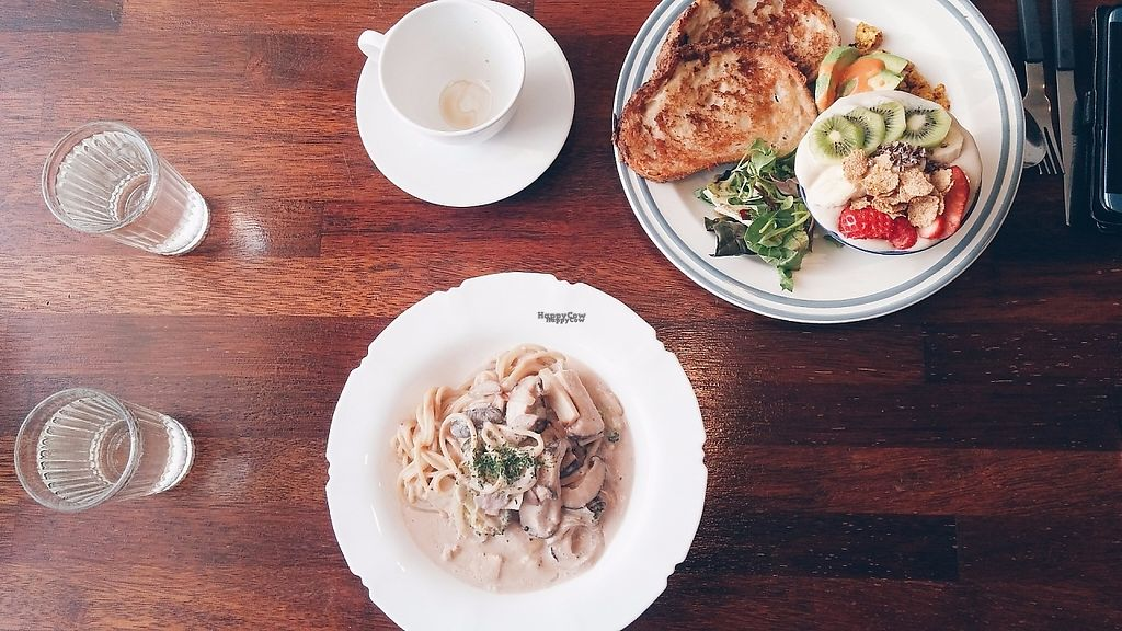 """Photo of Around Green - 어라운드 그린  by <a href=""""/members/profile/soohyun"""">soohyun</a> <br/>French toast plate and soy cream pasta <br/> March 22, 2017  - <a href='/contact/abuse/image/88897/239389'>Report</a>"""