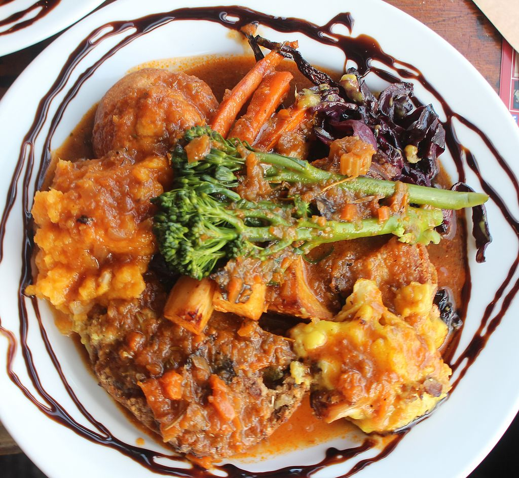 """Photo of CLOSED: The Sound Lounge  by <a href=""""/members/profile/kezia"""">kezia</a> <br/>The Amazing 100% Vegan Sunday roast - Worth booking and travelling for <br/> October 3, 2017  - <a href='/contact/abuse/image/88969/311434'>Report</a>"""