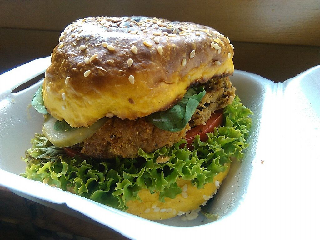 "Photo of Mihiderka  by <a href=""/members/profile/MartinNaturelover"">MartinNaturelover</a> <br/>Crazy delicious vegan burger! <br/> July 21, 2017  - <a href='/contact/abuse/image/88974/282818'>Report</a>"