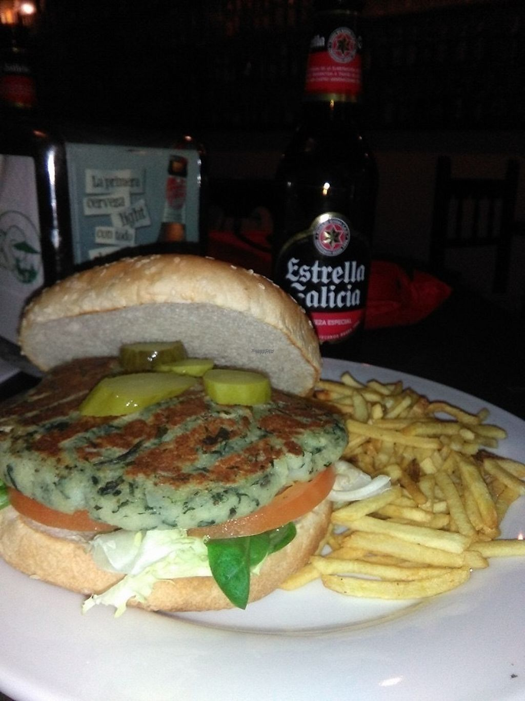 """Photo of Bar La Cueva  by <a href=""""/members/profile/Kukiaries"""">Kukiaries</a> <br/>Hamburguesa de espinacas <br/> March 24, 2017  - <a href='/contact/abuse/image/89037/240188'>Report</a>"""