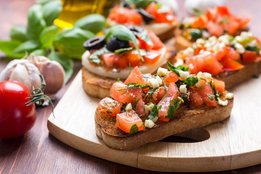 "Photo of Woolly's Grill and Cellar  by <a href=""/members/profile/NolanSchroeder"">NolanSchroeder</a> <br/>Fresh bruschetta  <br/> March 24, 2017  - <a href='/contact/abuse/image/89043/240196'>Report</a>"
