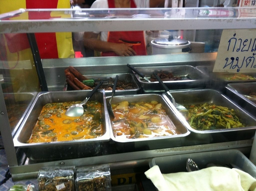 """Photo of Soi Naradhiwas Rajanagarindra - Vegetarian Food Stall  by <a href=""""/members/profile/Cyclinggal"""">Cyclinggal</a> <br/>Curries <br/> March 23, 2017  - <a href='/contact/abuse/image/89045/239661'>Report</a>"""