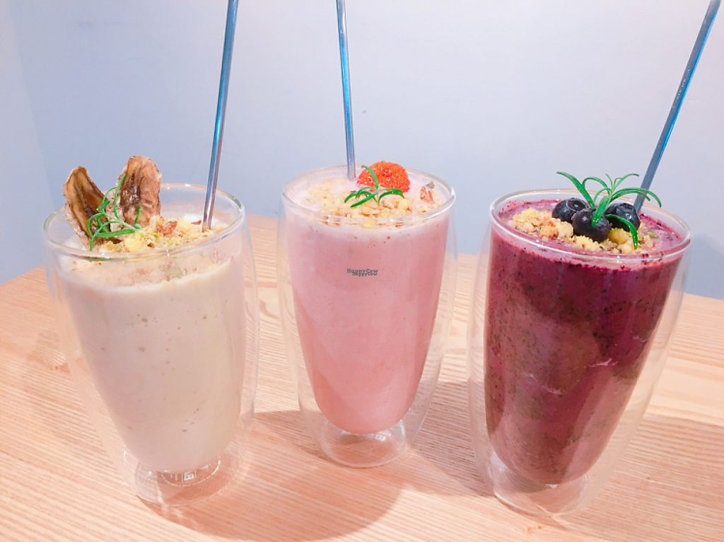 """Photo of The Nilk Factory - 더닐크팩토리  by <a href=""""/members/profile/GunhaKim"""">GunhaKim</a> <br/>Almond milk vegan smoothie <br/> April 24, 2017  - <a href='/contact/abuse/image/89060/251909'>Report</a>"""