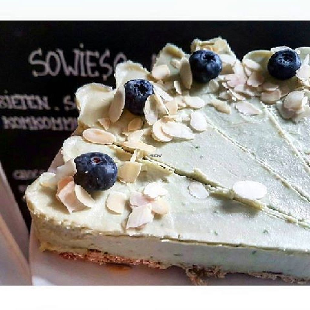"""Photo of Koffiebar Sowieso  by <a href=""""/members/profile/community5"""">community5</a> <br/>Sugar-free and vegan lime-avocado tart <br/> March 24, 2017  - <a href='/contact/abuse/image/89076/240240'>Report</a>"""