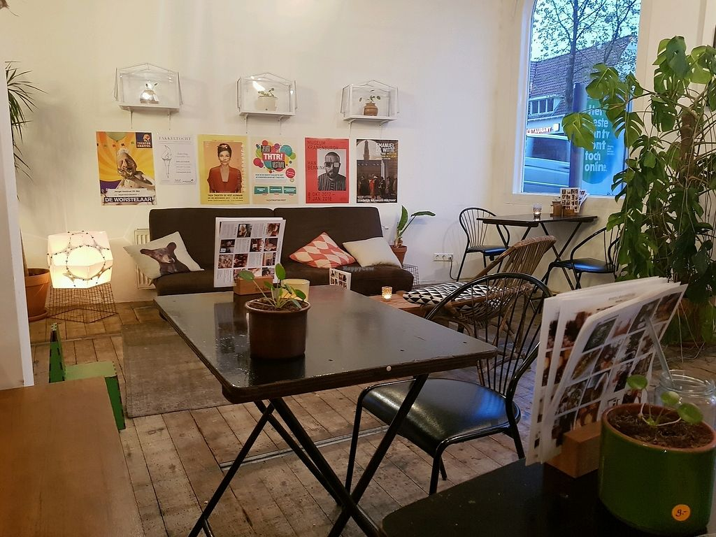 """Photo of VERS Eten en Drinken   by <a href=""""/members/profile/InaEngelbarts"""">InaEngelbarts</a> <br/>Leuk interieur <br/> October 20, 2017  - <a href='/contact/abuse/image/89083/316988'>Report</a>"""
