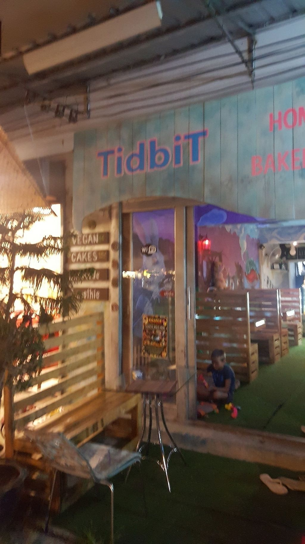 """Photo of Tidbit Bakery  by <a href=""""/members/profile/lene86"""">lene86</a> <br/>Store front  <br/> March 23, 2017  - <a href='/contact/abuse/image/89085/239649'>Report</a>"""