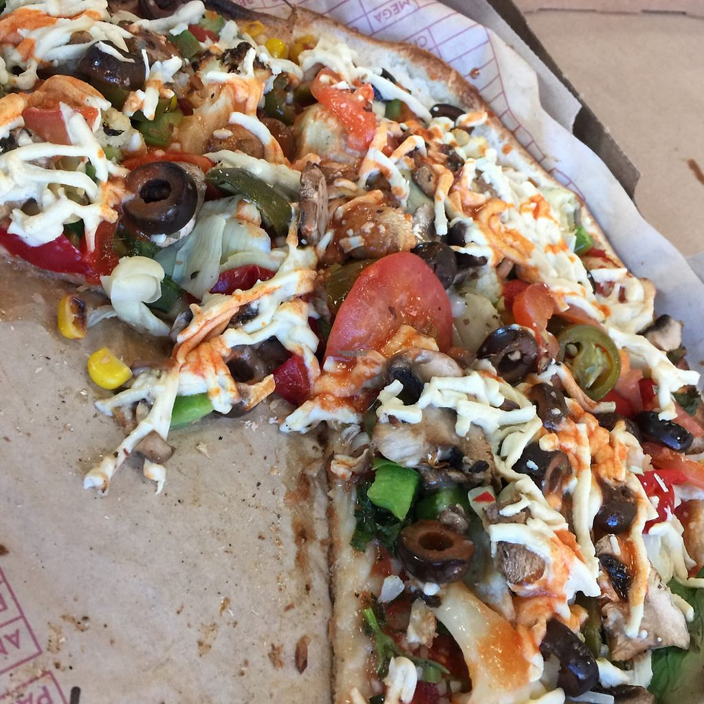 "Photo of Mod Pizza  by <a href=""/members/profile/VegAnne_Ca"">VegAnne_Ca</a> <br/>pizza w nondairy cheese  <br/> March 26, 2017  - <a href='/contact/abuse/image/89112/240951'>Report</a>"