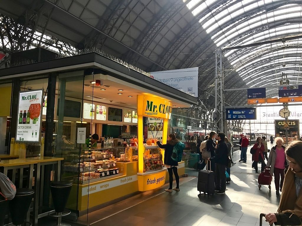 """Photo of Mr Clou - Hauptbahnhof  by <a href=""""/members/profile/marky_mark"""">marky_mark</a> <br/>location at train track 6 <br/> March 26, 2017  - <a href='/contact/abuse/image/89246/241151'>Report</a>"""