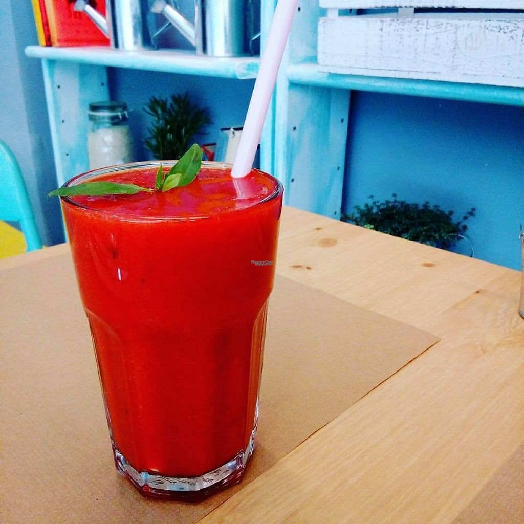 """Photo of Mumbal  by <a href=""""/members/profile/Veroevv"""">Veroevv</a> <br/>Love tomate Cold Press Juice <br/> March 27, 2017  - <a href='/contact/abuse/image/89250/241714'>Report</a>"""