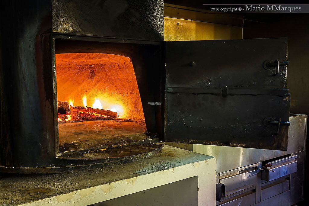 """Photo of Moment'Um  by <a href=""""/members/profile/Helena_Reis"""">Helena_Reis</a> <br/>Log Oven for the Meals <br/> March 29, 2017  - <a href='/contact/abuse/image/89259/242425'>Report</a>"""
