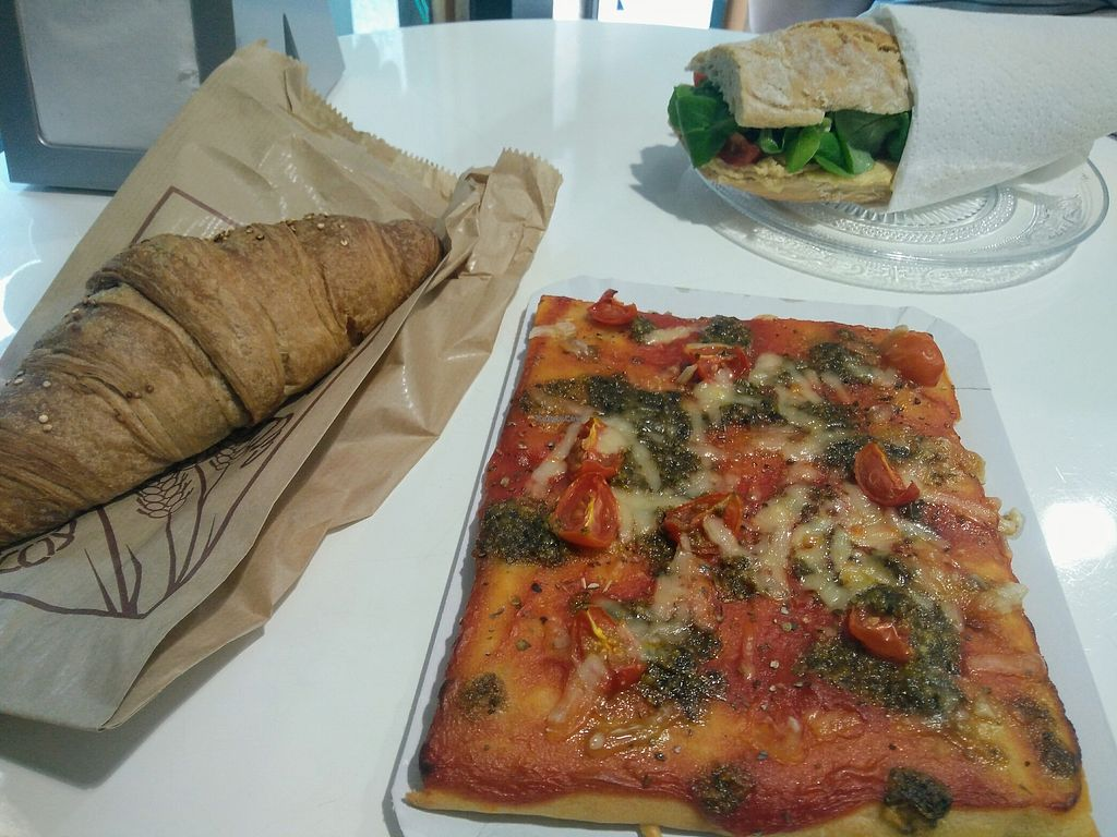 """Photo of Alice in Wonder Pie  by <a href=""""/members/profile/Hannaala"""">Hannaala</a> <br/>Sandwich with hummus, pesto pizza and croissant, all vegan <br/> August 7, 2017  - <a href='/contact/abuse/image/89279/290036'>Report</a>"""