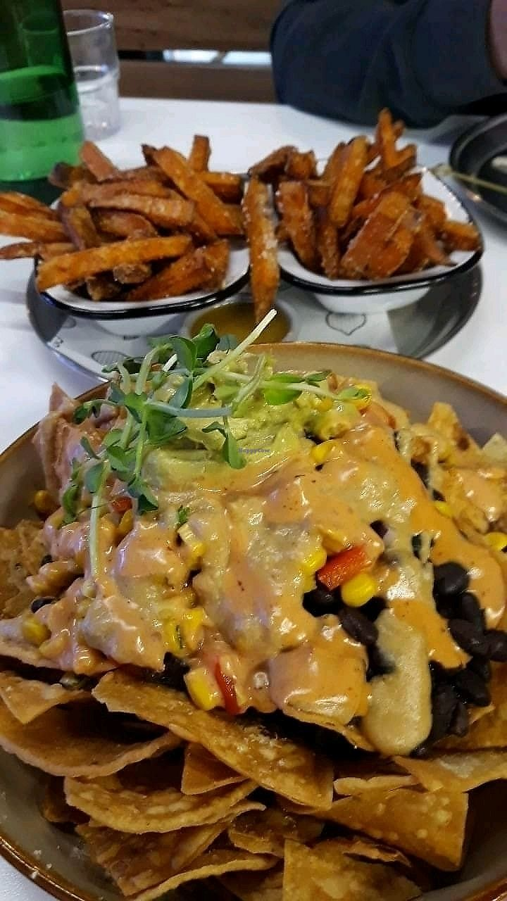 """Photo of Veg Bar  by <a href=""""/members/profile/Purejoy58"""">Purejoy58</a> <br/>Nachos and Sweet potato fries <br/> February 17, 2018  - <a href='/contact/abuse/image/89286/360214'>Report</a>"""
