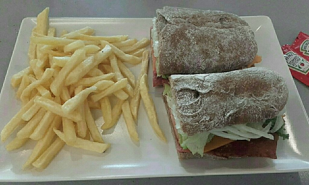 """Photo of Papo's  by <a href=""""/members/profile/Psyduck"""">Psyduck</a> <br/>Bocata de bacon vegano y queso vegano  <br/> May 1, 2017  - <a href='/contact/abuse/image/89305/254546'>Report</a>"""