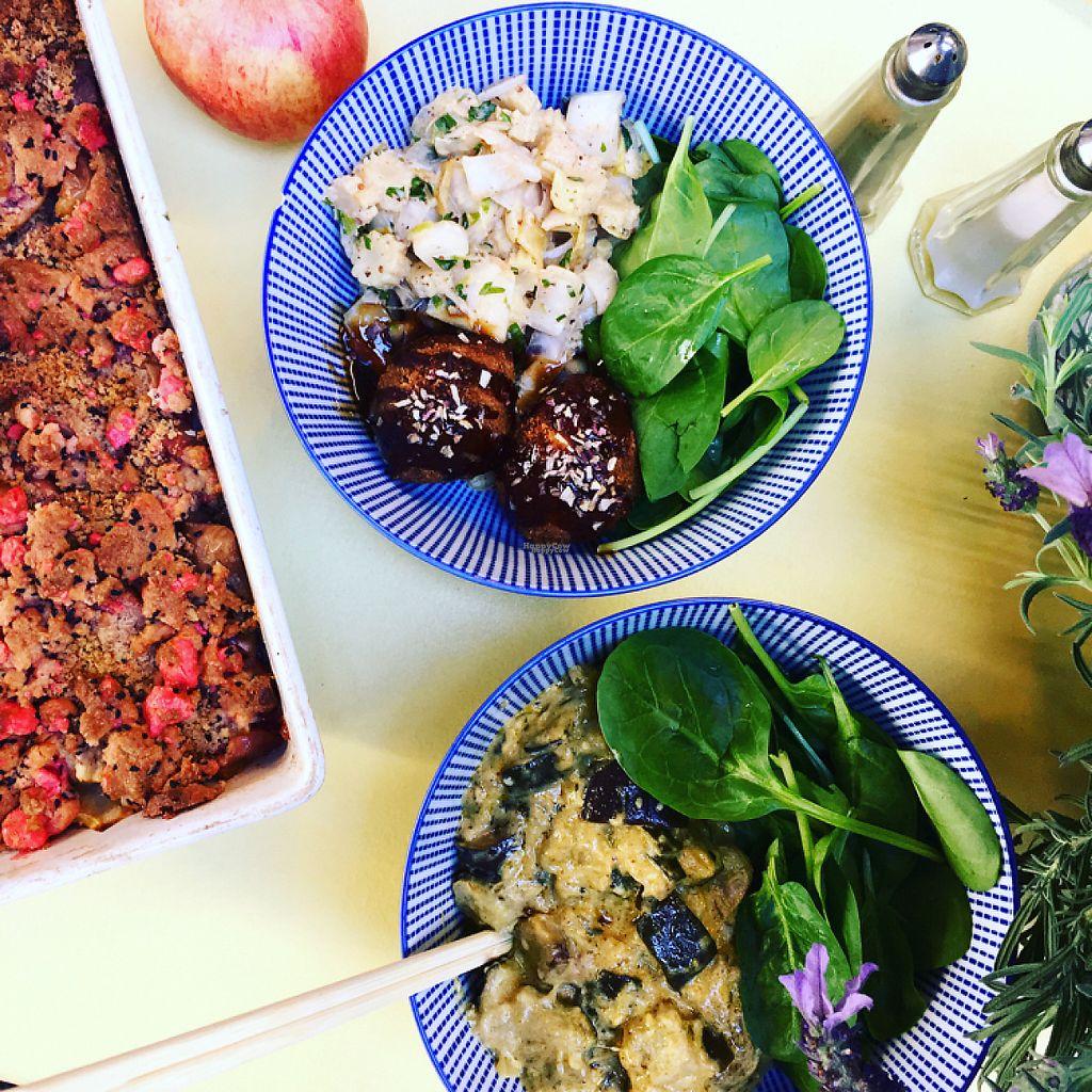 """Photo of Le Stand  by <a href=""""/members/profile/TatianaLebotti"""">TatianaLebotti</a> <br/>Veggie Bowls. Le premier est vegan, (croquettes de légumes, sauce barbecue et salade d'endives fumées aux herbes fraîches) L'autre est végétarien (Baba Ganoush de courgettes et aubergines au gorgonzola) <br/> April 3, 2017  - <a href='/contact/abuse/image/89327/244449'>Report</a>"""