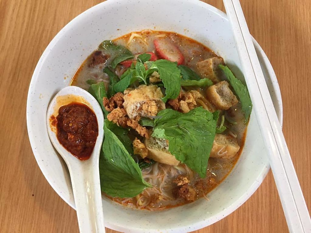 "Photo of CLOSED: Friend of Vegetarian Food Stall - Heritage Food Paradise  by <a href=""/members/profile/community5"">community5</a> <br/>Curry Mee <br/> April 24, 2017  - <a href='/contact/abuse/image/89391/252070'>Report</a>"