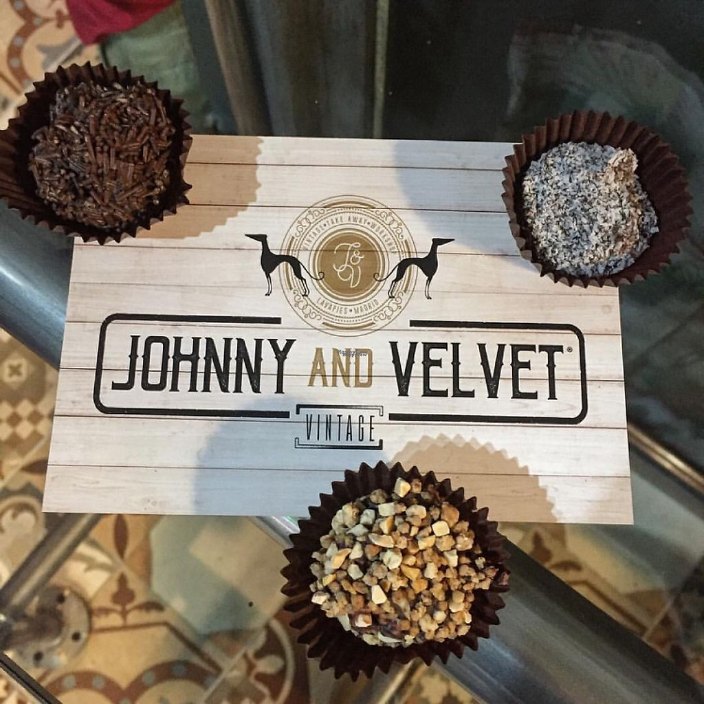 """Photo of Jhonny and Velvet  by <a href=""""/members/profile/Kukiaries"""">Kukiaries</a> <br/>brigadeiros <br/> March 30, 2017  - <a href='/contact/abuse/image/89434/242710'>Report</a>"""
