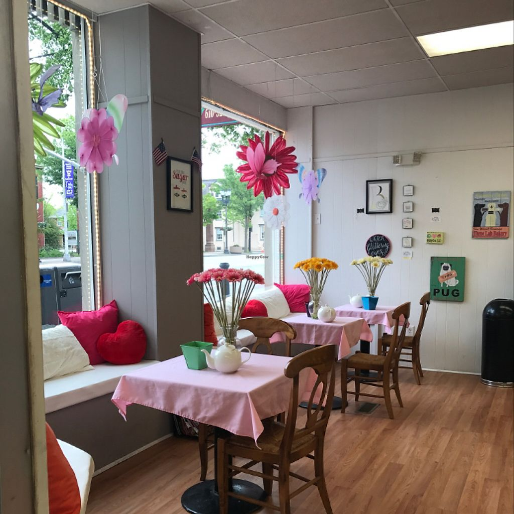 "Photo of Beverly's Pastry Shop  by <a href=""/members/profile/xjamiex"">xjamiex</a> <br/>seating area  <br/> May 11, 2017  - <a href='/contact/abuse/image/89444/257863'>Report</a>"