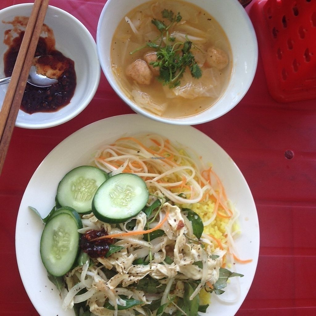"Photo of Quan Chay - Nguyen Duy Hieu  by <a href=""/members/profile/VeganGecko"">VeganGecko</a> <br/>""Chicken"" rice that comes with a soup <br/> June 15, 2017  - <a href='/contact/abuse/image/89450/269302'>Report</a>"