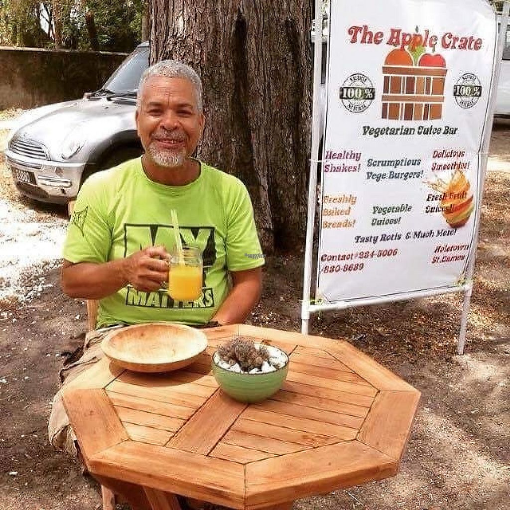 "Photo of The Apple Crate Food Truck/Cart  by <a href=""/members/profile/MahaliaMann"">MahaliaMann</a> <br/>Enjoying a fresh juice x <br/> March 31, 2017  - <a href='/contact/abuse/image/89528/242968'>Report</a>"