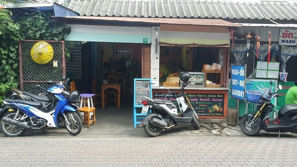 """Photo of Khun Kae's Juice Bar  by <a href=""""/members/profile/Mike%20Munsie"""">Mike Munsie</a> <br/>street front <br/> June 5, 2017  - <a href='/contact/abuse/image/89676/265972'>Report</a>"""
