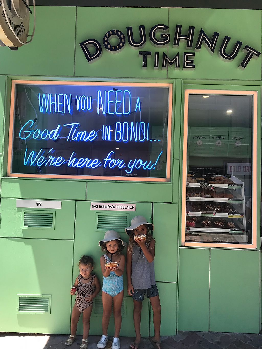 "Photo of CLOSED: Doughnut Time - Bondi Beach  by <a href=""/members/profile/raisingthefree"">raisingthefree</a> <br/>The kids enjoying donuts  <br/> November 25, 2017  - <a href='/contact/abuse/image/89689/329154'>Report</a>"
