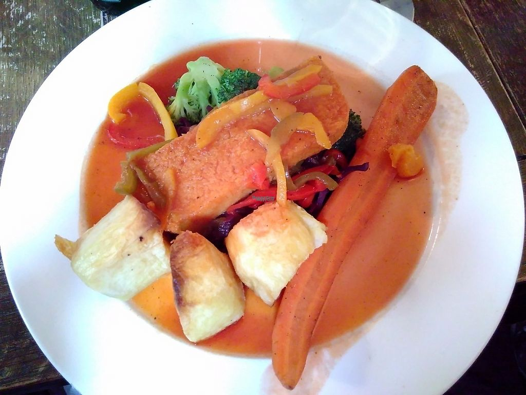 "Photo of The Vanbrugh  by <a href=""/members/profile/VictorHugoLimachi"">VictorHugoLimachi</a> <br/>Sunday Roast