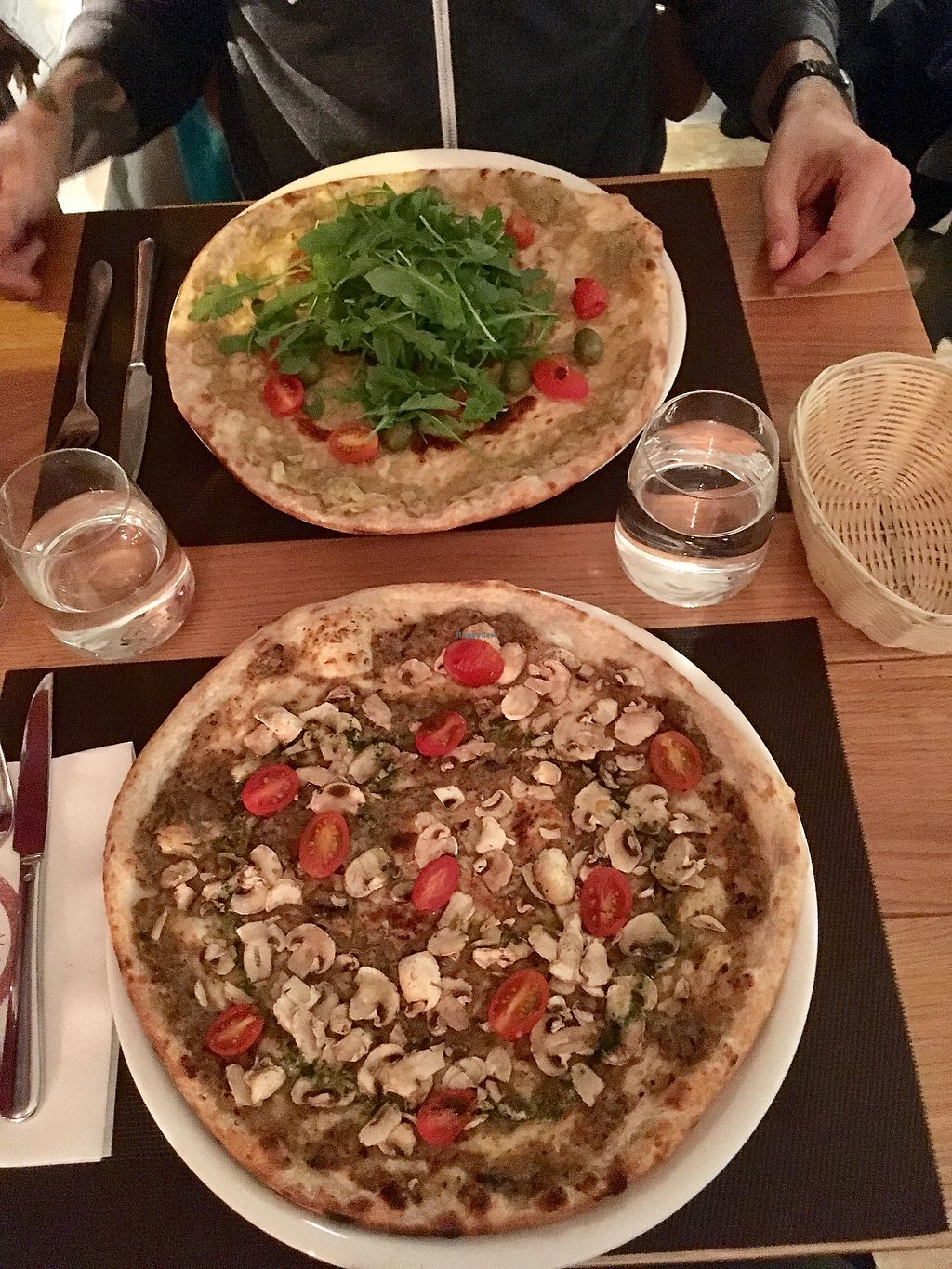"Photo of Pizza Leggera  by <a href=""/members/profile/Eliane"">Eliane</a> <br/>Pizza vegan sottobosco et pizza vegan verde <br/> October 22, 2017  - <a href='/contact/abuse/image/89748/317563'>Report</a>"