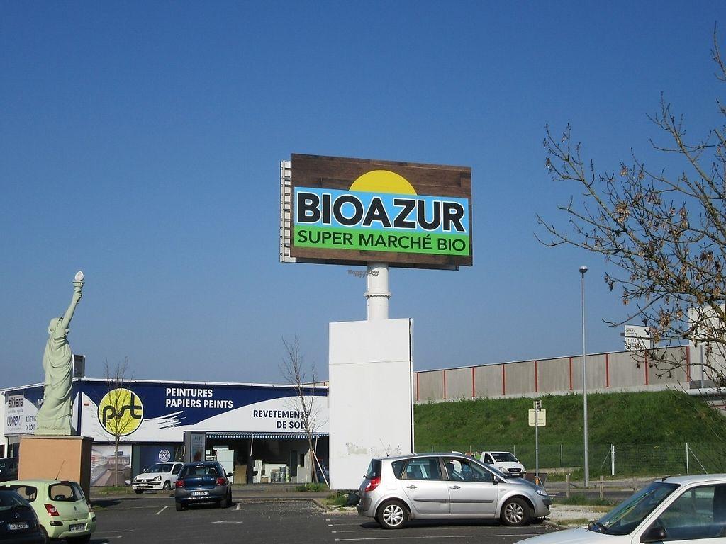 "Photo of Bioazur  by <a href=""/members/profile/silverfarley"">silverfarley</a> <br/>Bioazur organic healthfood shop Albi, France <br/> April 3, 2017  - <a href='/contact/abuse/image/89759/244447'>Report</a>"