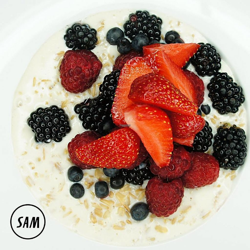 "Photo of SAM - Zoliborz  by <a href=""/members/profile/Vera%20Peres"">Vera Peres</a> <br/>Porridge with almond milk and fruit <br/> April 4, 2017  - <a href='/contact/abuse/image/89764/244592'>Report</a>"