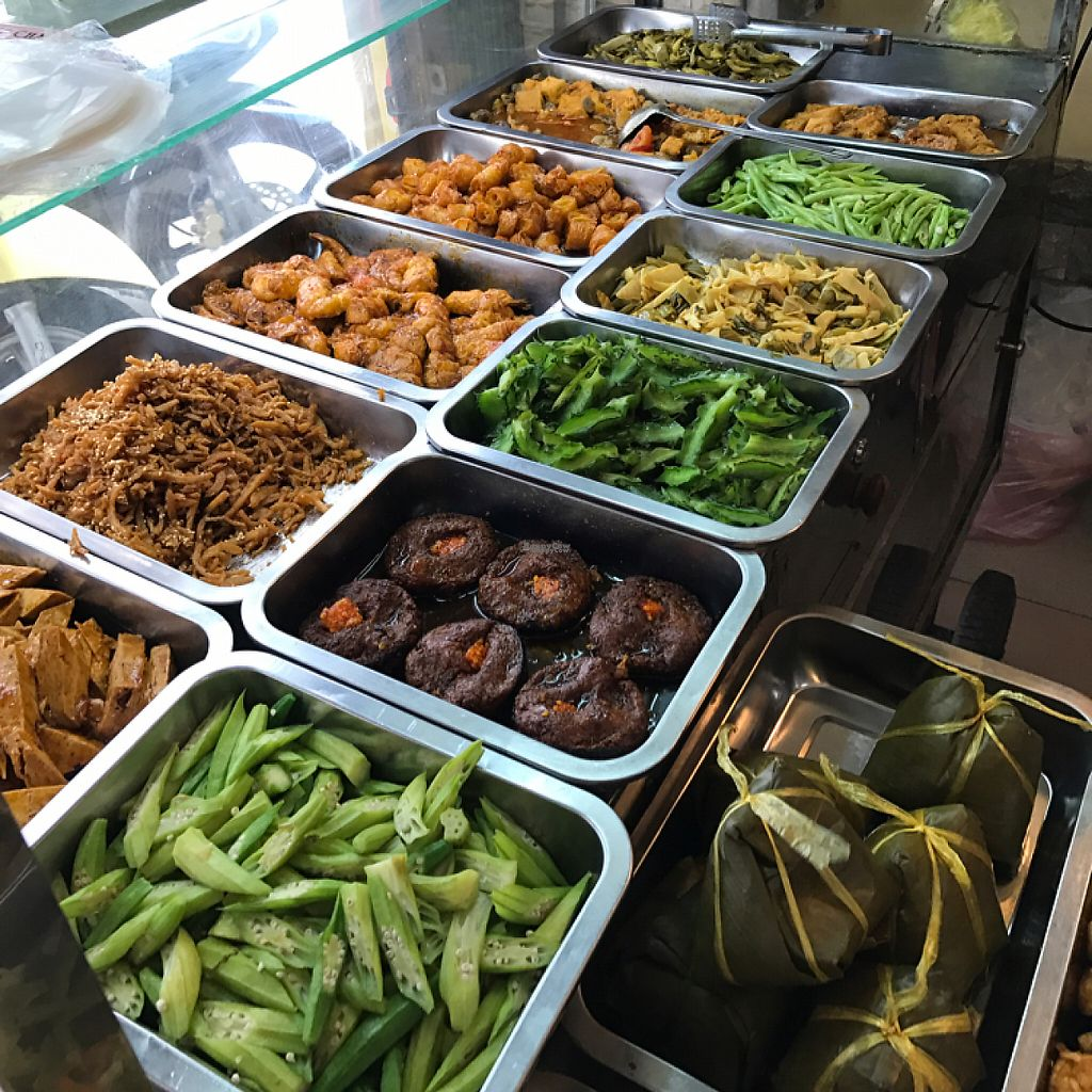 """Photo of Hai Dang  by <a href=""""/members/profile/flytheorient"""">flytheorient</a> <br/>These are dishes to go with the rice.  <br/> April 8, 2017  - <a href='/contact/abuse/image/89811/245748'>Report</a>"""