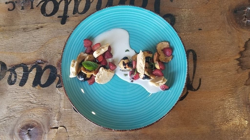 """Photo of Inspiracion 9  by <a href=""""/members/profile/kenvegan"""">kenvegan</a> <br/>Dessert with fruit/berries and cookie pieces <br/> April 10, 2017  - <a href='/contact/abuse/image/89812/246602'>Report</a>"""