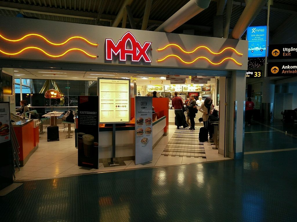 """Photo of Max - Arlanda Airport  by <a href=""""/members/profile/martinicontomate"""">martinicontomate</a> <br/>terminal 4 <br/> December 6, 2017  - <a href='/contact/abuse/image/89842/332890'>Report</a>"""