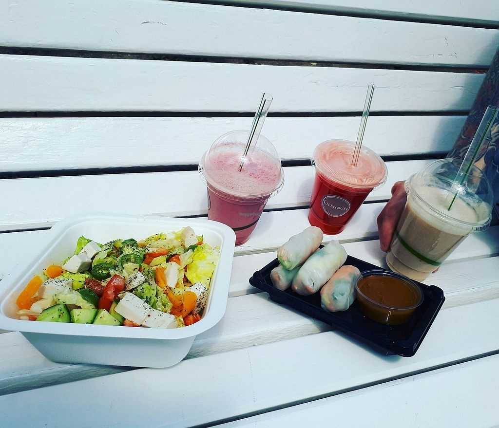 """Photo of Lifehouse  by <a href=""""/members/profile/MaritaTakvam"""">MaritaTakvam</a> <br/>outside breakfast <br/> July 10, 2017  - <a href='/contact/abuse/image/89896/278906'>Report</a>"""