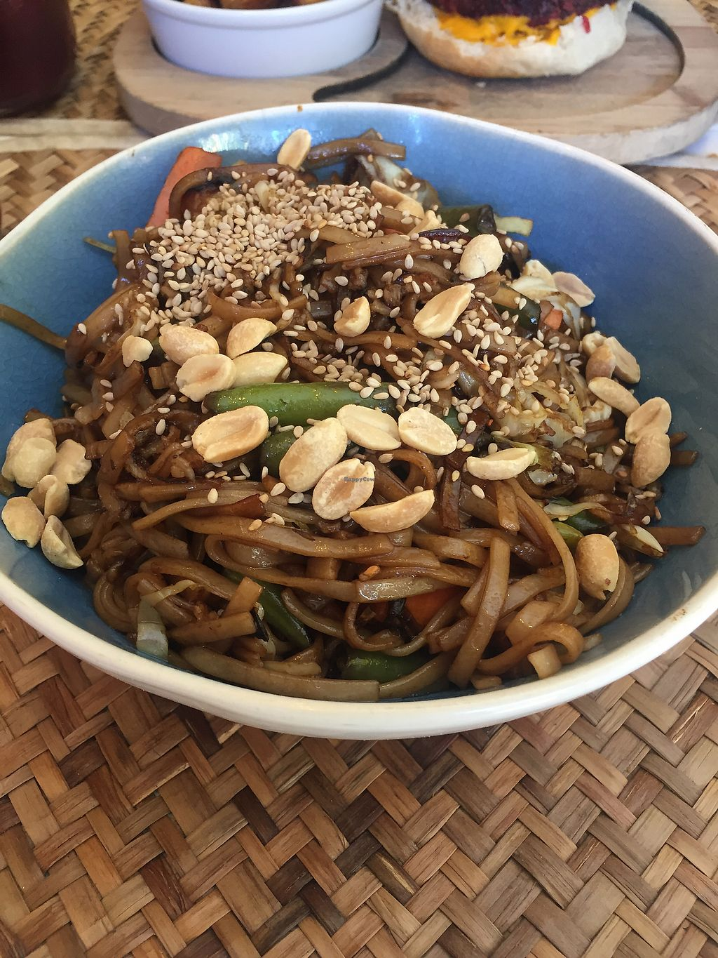 """Photo of Amorcito  by <a href=""""/members/profile/VegannGiuli"""">VegannGiuli</a> <br/>Wok de fideos y verduras vegano <br/> January 6, 2018  - <a href='/contact/abuse/image/89924/343637'>Report</a>"""