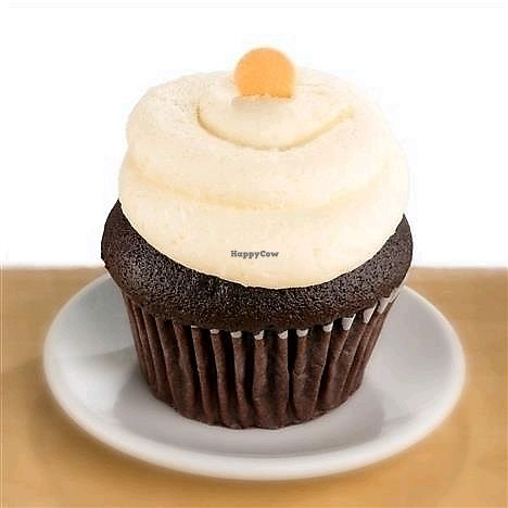 """Photo of Molly's Cupcakes  by <a href=""""/members/profile/MelodyVeganJoy"""">MelodyVeganJoy</a> <br/>chocolate cake with vanilla frosting <br/> April 4, 2018  - <a href='/contact/abuse/image/89965/380434'>Report</a>"""