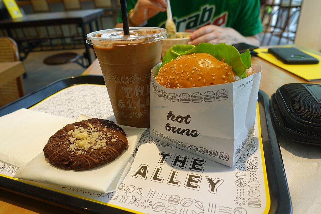 "Photo of The Alley  by <a href=""/members/profile/EliseElicious"">EliseElicious</a> <br/>Hawaiian jackfruit burger, chocolate cookie and peanut butter shake  <br/> November 21, 2017  - <a href='/contact/abuse/image/90029/327695'>Report</a>"