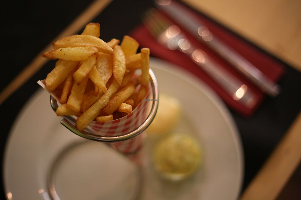 """Photo of La Esterella  by <a href=""""/members/profile/OlivierJacques"""">OlivierJacques</a> <br/>belgian frites with veganaise <br/> July 28, 2017  - <a href='/contact/abuse/image/90054/285912'>Report</a>"""