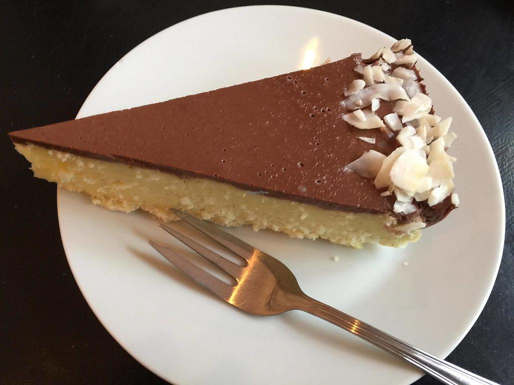 "Photo of Lokal Dela Krem  by <a href=""/members/profile/FernandoMoreira"">FernandoMoreira</a> <br/>coconut cake <br/> December 26, 2017  - <a href='/contact/abuse/image/90212/339359'>Report</a>"