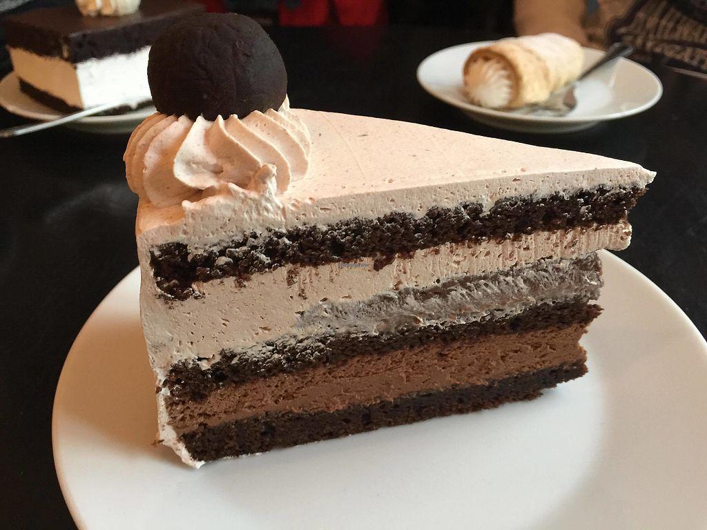 "Photo of Lokal Dela Krem  by <a href=""/members/profile/FernandoMoreira"">FernandoMoreira</a> <br/>chocolate cake <br/> December 26, 2017  - <a href='/contact/abuse/image/90212/339360'>Report</a>"
