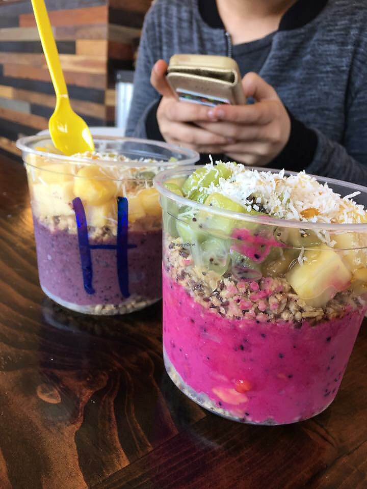 "Photo of Everbowl  by <a href=""/members/profile/KristinaDegreef"">KristinaDegreef</a> <br/>Left: ""Hawaiian Bowl"" Right: ""Paradise Bowl"" <br/> December 28, 2017  - <a href='/contact/abuse/image/90225/340135'>Report</a>"