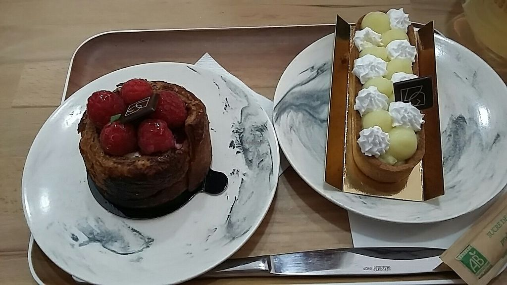 "Photo of VG Pâtisserie  by <a href=""/members/profile/Seapanda"">Seapanda</a> <br/>Pina colada and raspberry millefeuille with sesame cream <br/> June 21, 2017  - <a href='/contact/abuse/image/90318/271730'>Report</a>"