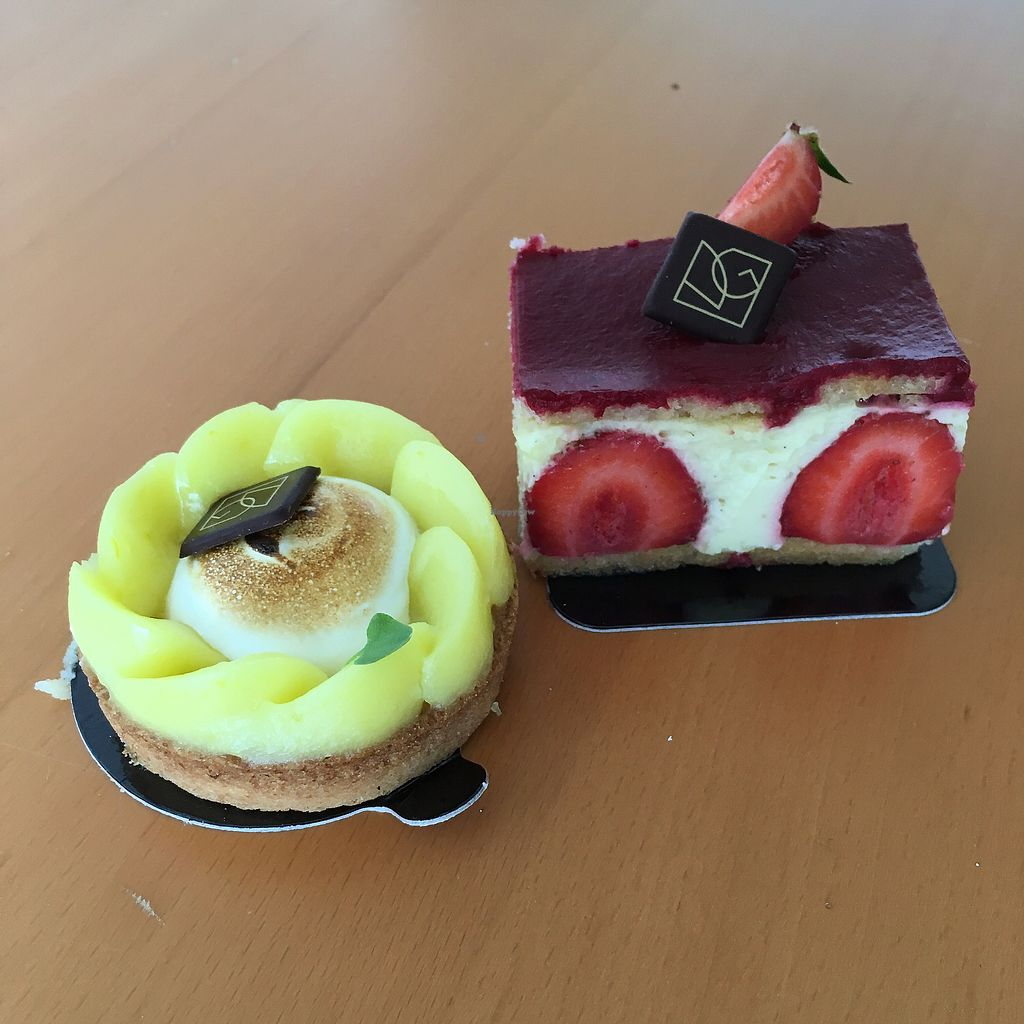 "Photo of VG Pâtisserie  by <a href=""/members/profile/Le%20Hegarat"">Le Hegarat</a> <br/>lemon tart and fraisier  <br/> July 10, 2017  - <a href='/contact/abuse/image/90318/278579'>Report</a>"