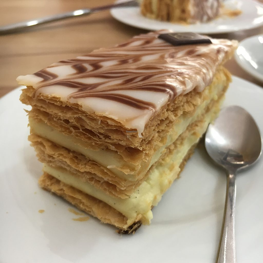 "Photo of VG Pâtisserie  by <a href=""/members/profile/Kardinal"">Kardinal</a> <br/>Mille-feuilles <br/> August 12, 2017  - <a href='/contact/abuse/image/90318/291947'>Report</a>"