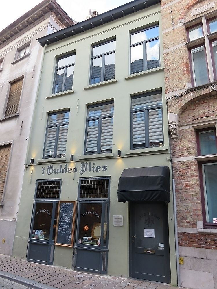 "Photo of 't Gulden Vlies  by <a href=""/members/profile/TrudiBruges"">TrudiBruges</a> <br/>'t Gulden Vlies, Bruges <br/> September 28, 2017  - <a href='/contact/abuse/image/90415/309332'>Report</a>"