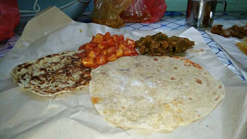 """Photo of Sabari Vilas  by <a href=""""/members/profile/JimmySeah"""">JimmySeah</a> <br/>Chapati and Prata <br/> April 19, 2017  - <a href='/contact/abuse/image/90523/249962'>Report</a>"""