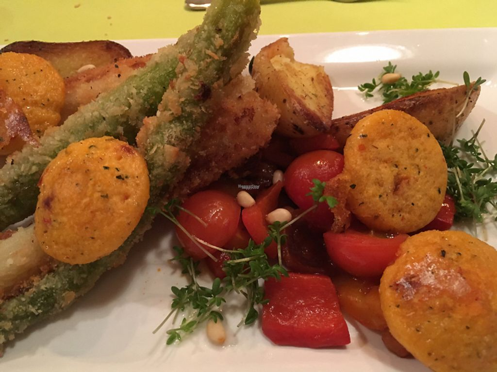 "Photo of IFA Windrose Südstrand  by <a href=""/members/profile/HappyWFPB"">HappyWFPB</a> <br/>vegan gourmet dinner close <br/> April 18, 2017  - <a href='/contact/abuse/image/90566/249555'>Report</a>"