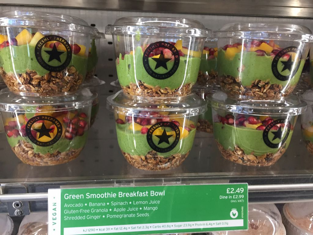 """Photo of Veggie Pret - Great Eastern St  by <a href=""""/members/profile/Bea_lc"""">Bea_lc</a> <br/>vegan green smoothie breakfast bowl  <br/> May 30, 2017  - <a href='/contact/abuse/image/90594/264296'>Report</a>"""