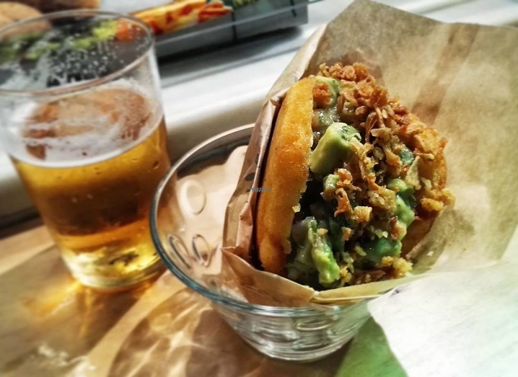 """Photo of Condende  by <a href=""""/members/profile/Agouygouy"""">Agouygouy</a> <br/>Arepa with guacamole <br/> April 22, 2017  - <a href='/contact/abuse/image/90711/250924'>Report</a>"""