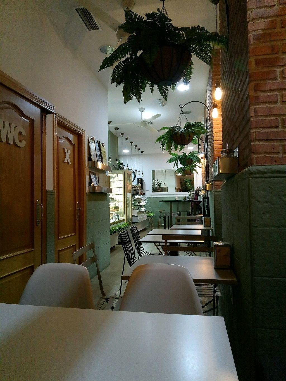 "Photo of Cafe Green Bakery  by <a href=""/members/profile/Garazimugu"">Garazimugu</a> <br/>El sitio <br/> January 25, 2018  - <a href='/contact/abuse/image/90809/350853'>Report</a>"